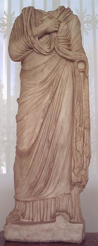 320px Escultura femenina romana %28M.A.N.%29 01