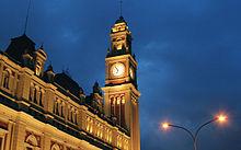 Estação metro-ferroviária da Luz. Juntas, as redes de trens urbanos e metrô percorrem 334 quilômetros.