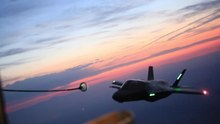 ファイル:F35 Lighting II Aerial Refuel (471143).webm