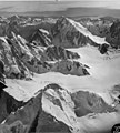 Fairweather Glacier, mountain glacier and cirque glaciers, August 24, 1963 (GLACIERS 5434).jpg