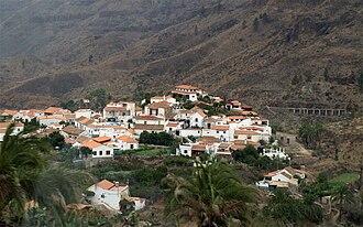 Fataga - Fataga, with the canal de Fataga on the right