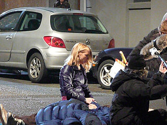 Billie Piper - Billie Piper and David Tennant filming Doctor Who in Penarth.
