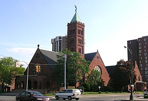 First Congregational Church (Detroit, Michigan) - First Congregational Church from across Woodward