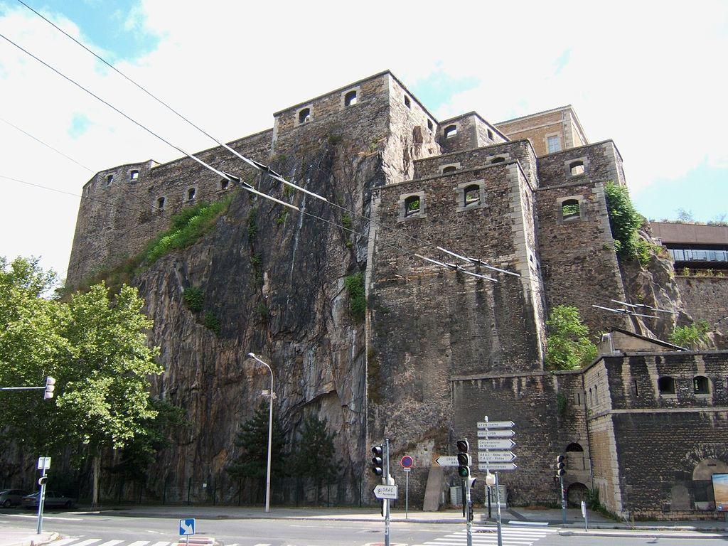 Fort Saint Jean à Lyon depuis les quais de Saône.