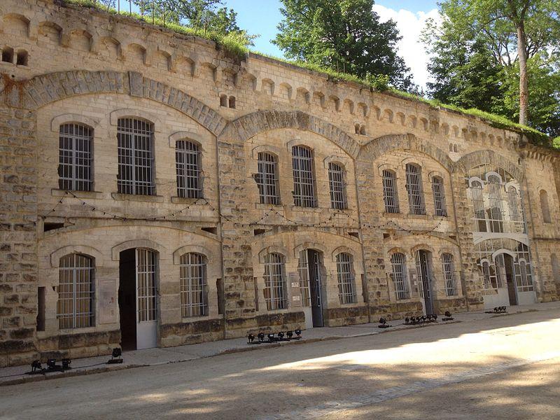 Casernement à l'intérieur du fort de Condé (Aisne)