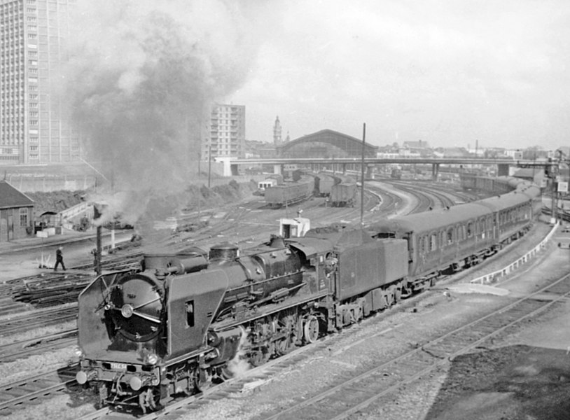 Lille Fives, 1957: Nord class 231E leaving on a westbound express.
