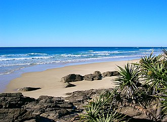 Indian Head (Fraser Island) - View south from beach
