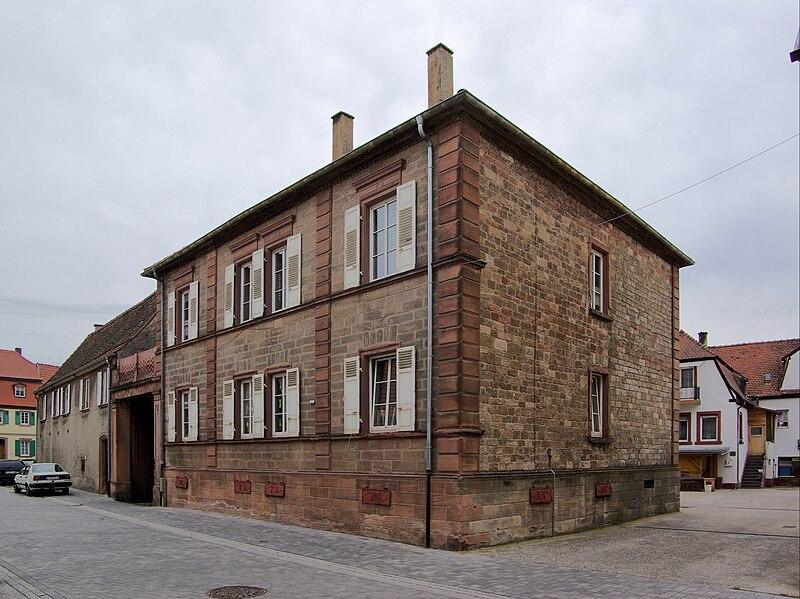 File:Göllheim BW 2011-05-12 11-21-46.JPG
