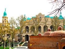 Зал Гянджинской филармонии.jpg