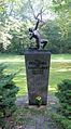 Gedenkstele Bergstr 38 (Stegl) Den Gefallenen der Flakartillerie.jpg