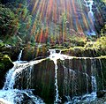 Giessbach - cascade (convergence lux et H2O).jpg