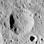 Grave crater AS17-M-1704.jpg