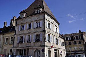 Gray, Haute-Saône - Image: Gray Maison place Charles De Gaulle