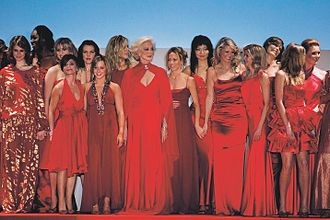 The Heart Truth - Group shot of the models from the 2005 Red Dress Collection