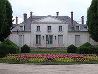 Héricy - Town hall.jpg