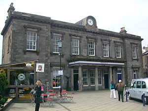Dalry, Edinburgh - Haymarket railway station is the main line railway station serving the area and marks the northern boundary of Dalry.