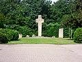 Heede Krieggräber Denkmal 2012.jpg
