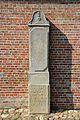 Heiligenstedten, Kirche St. Marien, Grabstein NIK 3264.JPG