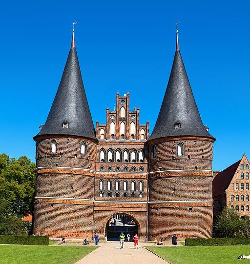 Holstentor in Lübeck Frontseite Zuschnitt