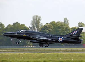 Hunter t7a (g-ffox wv318) kemble arp.jpg