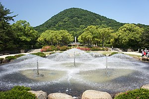 Mount Kabuto - Image: Hyogo prefectural Kabutoyama Forest Park 01bs 4592