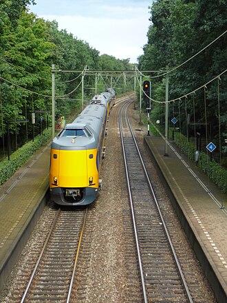 Amsterdam–Zutphen railway - Intercity service near Hilversum Mediapark