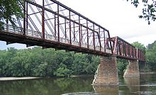 IMG 3976 New York, New Hampshire, Hartford rail bridge.jpg