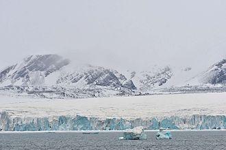 Severny Island ice cap - View of Inostrantsev Glacier (Lednik Inostrantseva). West coast.