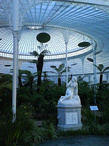 Ogród botaniczny 450px-Inside_of_Kibble_Palace_2