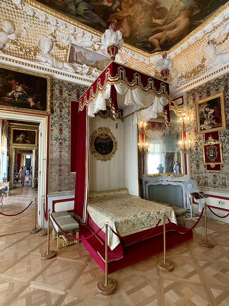 Interior of the Wilanów Palace, Warsaw, Poland 10.jpg