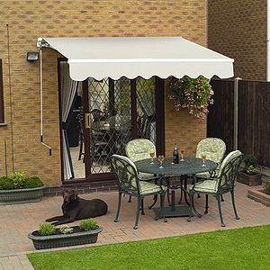 English: Example of a patio awning, with a pol...