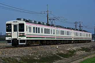 107 series - A pair of 107-100 series sets on the Ryomo in March 2016