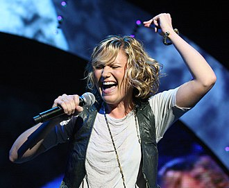 Jennifer Nettles - Nettles in November 2008