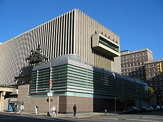Columbia Law School - Jerome L. Greene Hall, home of the law school and the Arthur W. Diamond Library. September 2004