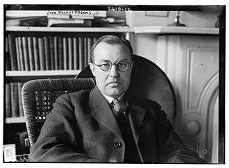 John Wolcott Adams - Image: John Wolcott Adams in his studio (1913)