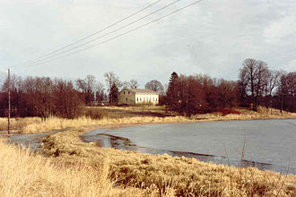 Jomala - The Jomala Rectory as seen by Lake Dalkarby in 1991. The rectory was built in 1848 and an Art Nouveau veranda was added in the beginning of the 20th century