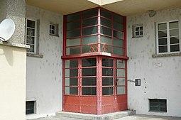 K.M.Hof Vienna detail.JPG
