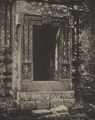 KITLV 88204 - Unknown - Entrance of a temple at Kichang in British India - 1897.tif