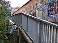 Kačerov, most metra, jižní lávka, zábradlí a zbytek okapu.jpg