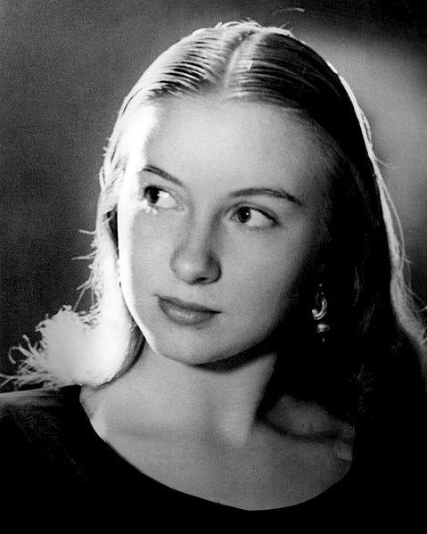 File:Kaja Sundsten 1947.JPG