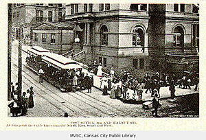 Streetcars in Kansas City - Image: Kansas City postcard showing cable powered streetcars in front of the Post Office, prior to 1908
