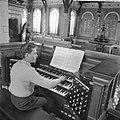 Katwijk aan Zee Jonge zeer begaafde organist Dick van Rijn uit aan het orgel va, Bestanddeelnr 912-3597.jpg