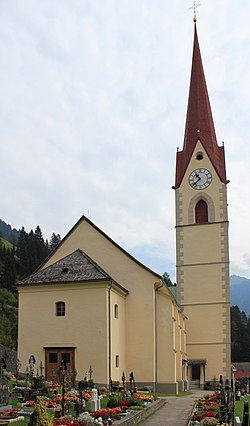 Kirche in Stall.JPG
