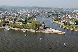 Koblenz im Buga-Jahr 2011 - Deutsches Eck 01.jpg