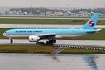 Korean Air Cargo, HL8075, Boeing 777-FEZ (37631038406).jpg