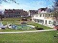 Koupaliště Stírka, z ulice Na pěšinách (01).jpg