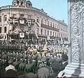 Kratky, F. - Moskva - Korunovační průvod Mikuláše II u hotelu Paříž (1896).jpg