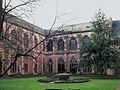 Kreuzgang Mainzer Dom.jpg