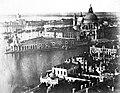 Látkép a Szent Márk székesegyház harangtornyából, szemben a Santa Maria della Salute fogadalmi templom, háttérben a Guidecca sziget. Fortepan 70483.jpg