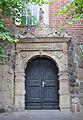 Lauenburg Kirche Seitenportal 01.jpg